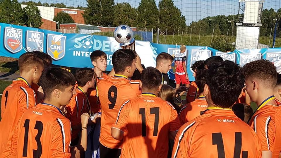 Πρώτη θέση για τους μικρούς Καλαματιανούς σε τουρνουά της Σουηδίας (photos)